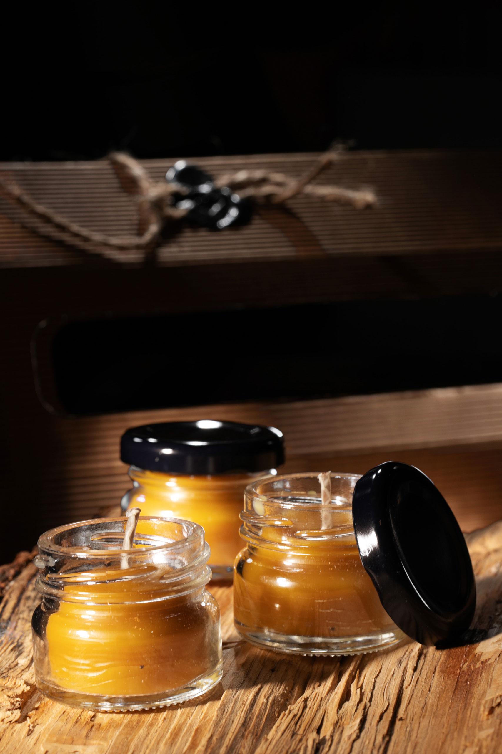 świeca z ula; świeczka naturalna z wosku pszczelego